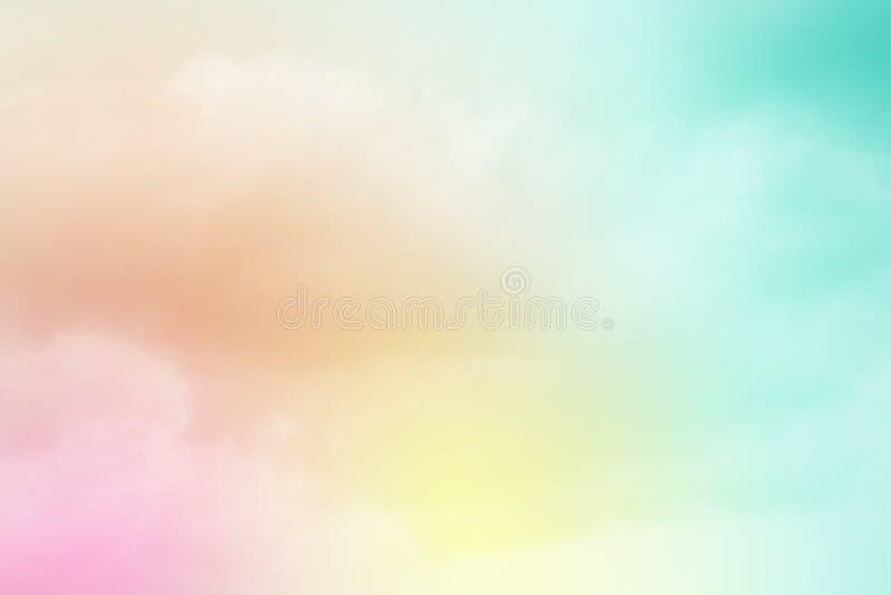 Konstnärlig molnig himmel med lutningfärg, abstrakt bakgrund för natur arkivbild