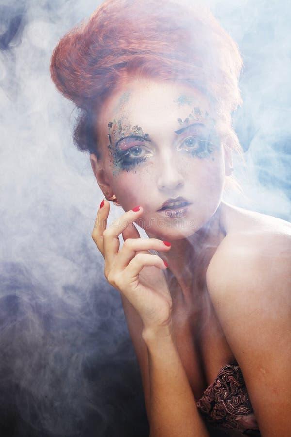 konstnärlig sminkkvinna fotografering för bildbyråer