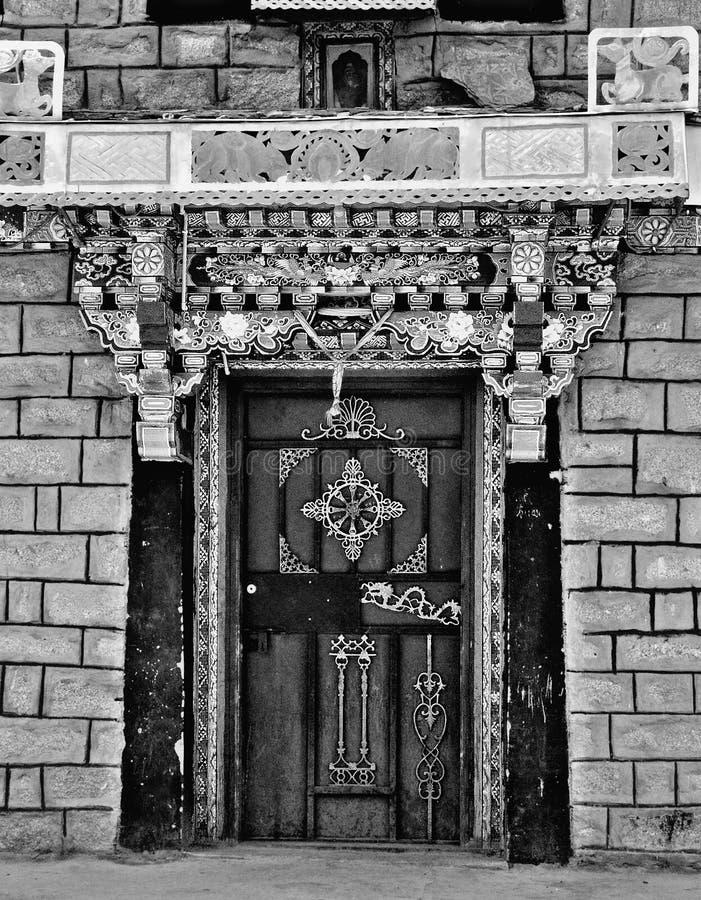 Tibetan portal fotografering för bildbyråer