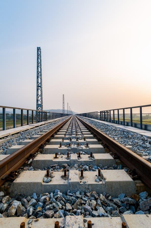Konstruktion av järnvägen royaltyfria bilder