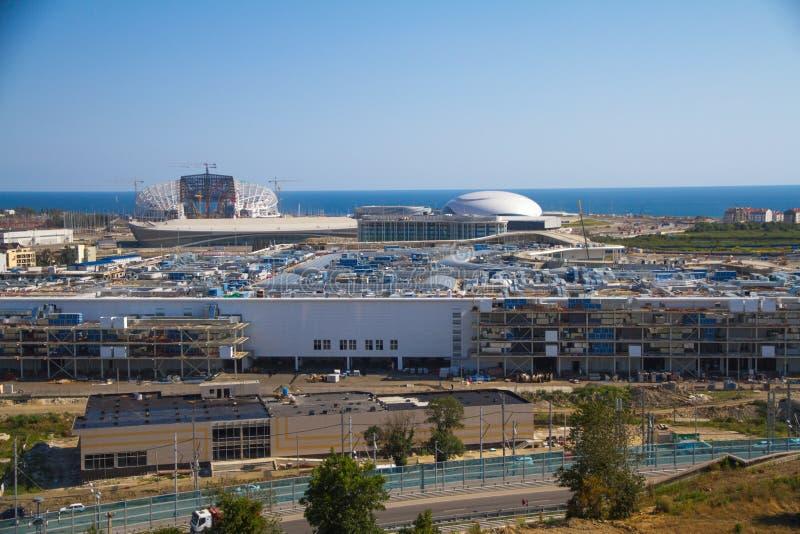 Konstruktion av Olympic Stadium Fisht i Sochi arkivbilder