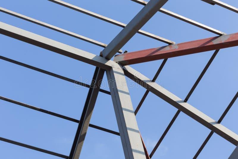 Konstruktion för bostads- byggnad för bråckband för tak för stålstrålar royaltyfri fotografi