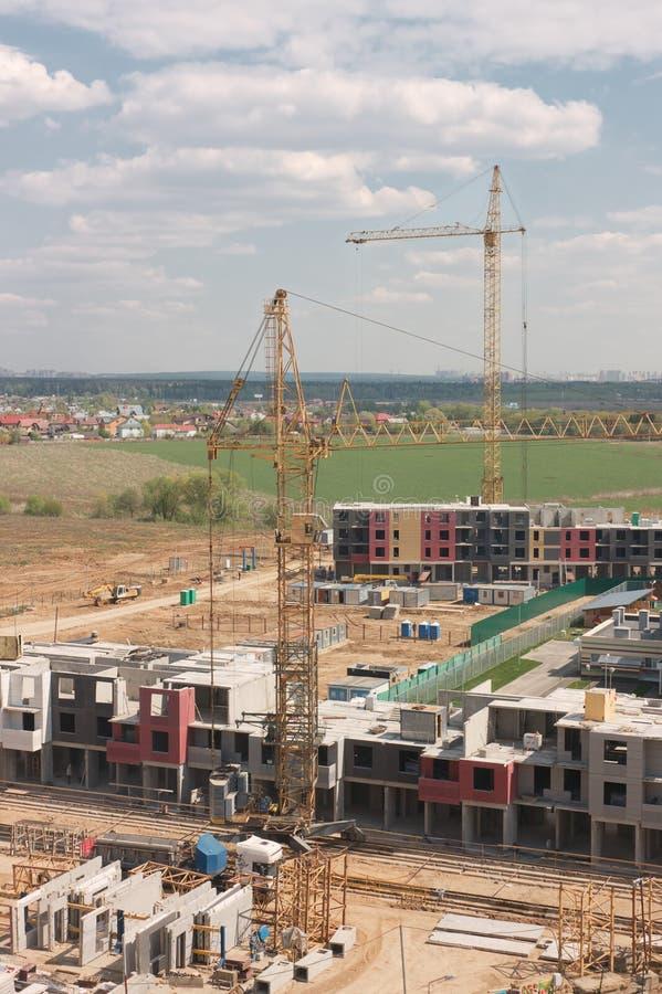 Konstruktion i microdistricten av den nya Vatutinki centralen royaltyfri foto