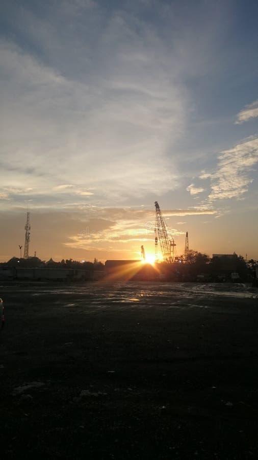 Konstruktion i morgonen royaltyfri foto