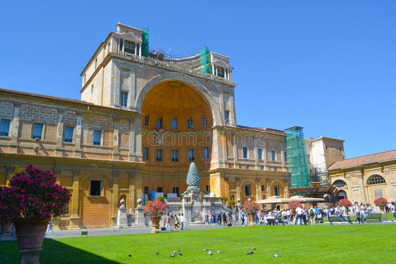 Konstruktion i Vaticanenmuseum royaltyfria foton