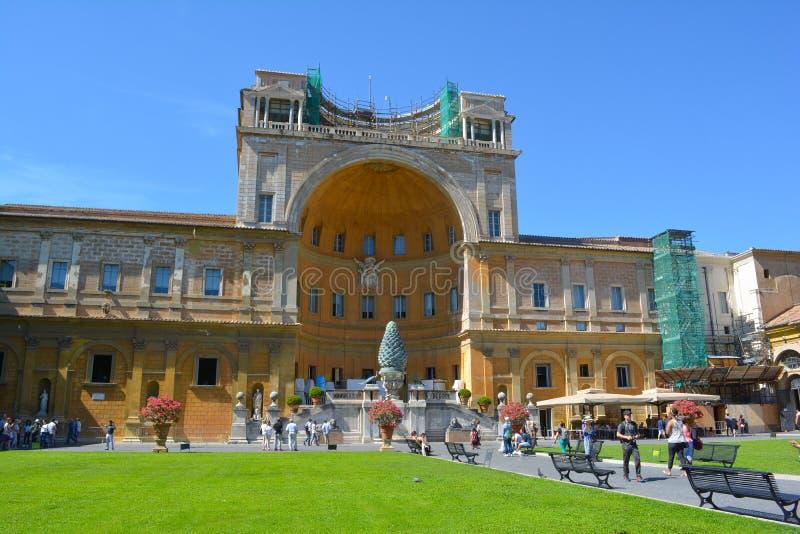 Konstruktion i Vaticanenmuseum arkivbilder