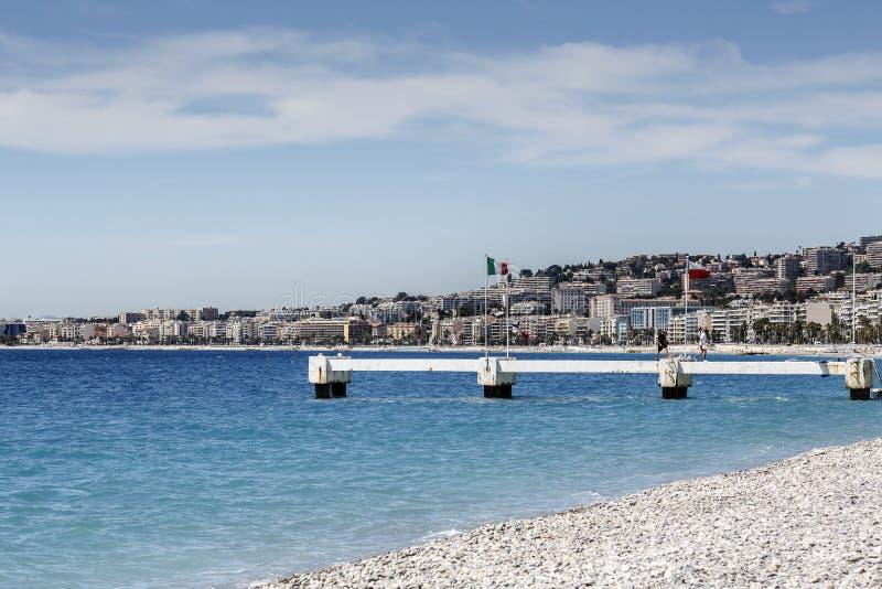 Konstruktion som göras av betong av stranden arkivfoto