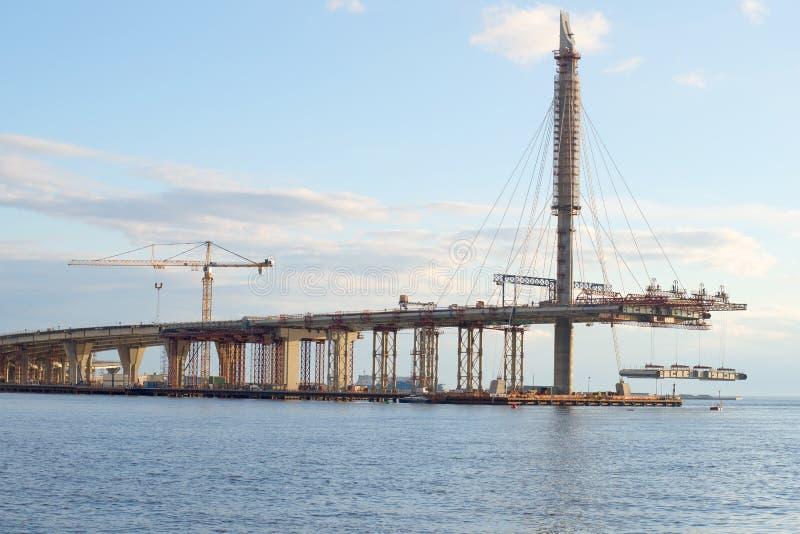 Konstruktionen av det centrala avsnittet för WHSD i området av den Krestovsky ön petersburg saint fotografering för bildbyråer