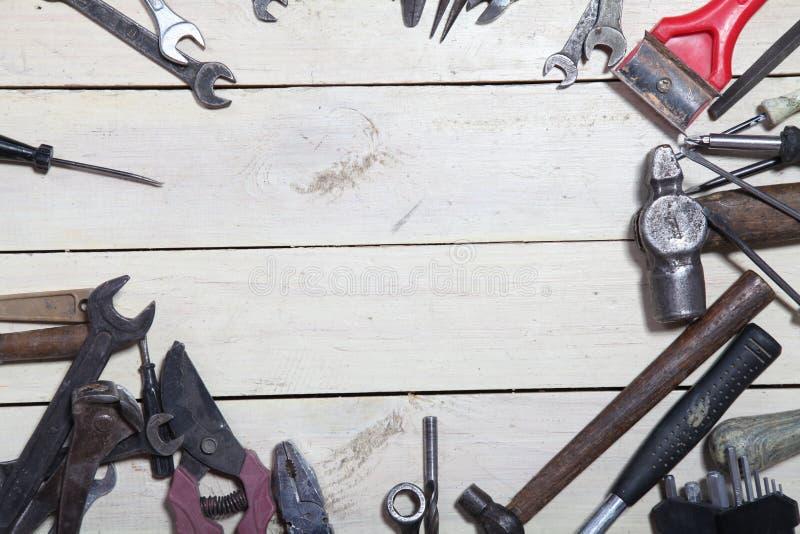 Konstruktionshjälpmedel för reparation bultar skruvmejseln arkivbilder