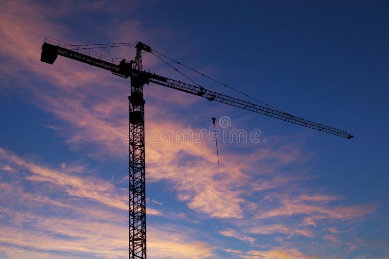 Download Konstruktionskran arkivfoto. Bild av bygger, silhouette - 28152