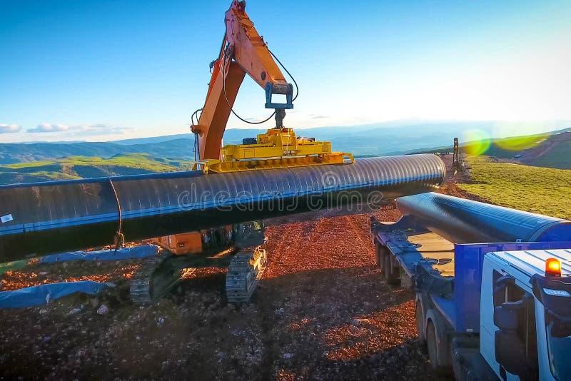 konstruktionspipelinetraktorer två Platskonstruktion Konstruktionsmor royaltyfria foton