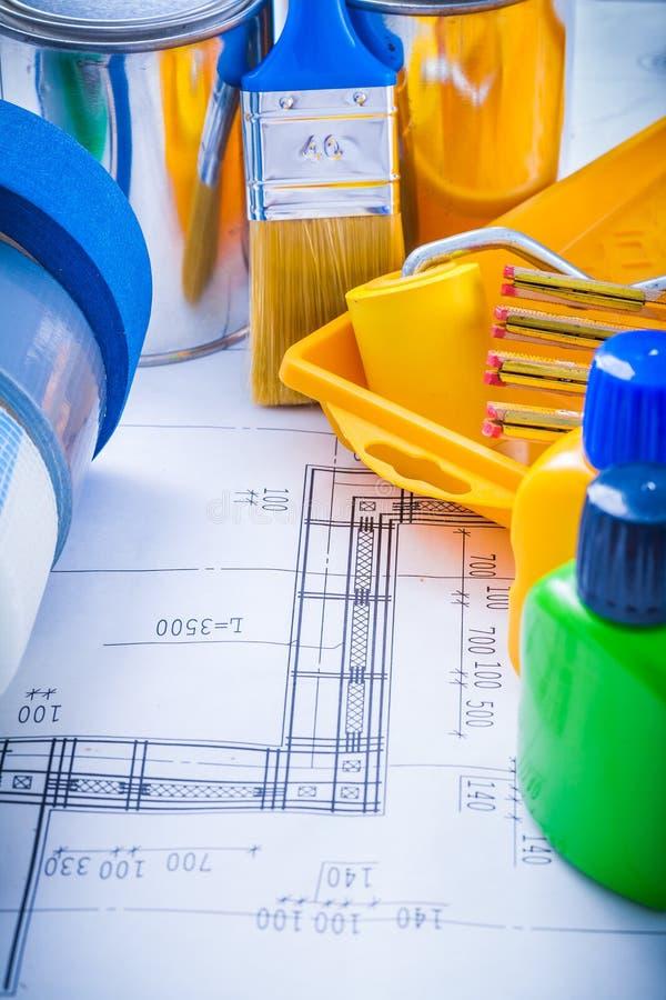 Konstruktionsplan med artiklar för att måla kanalen arkivfoto