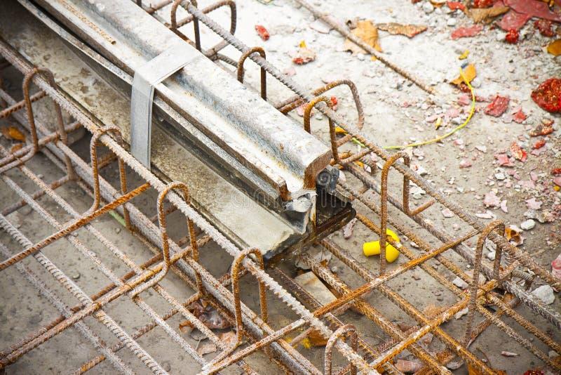 Konstruktionsplats för att reparera väg- och spårvagnjärnvägar i cien royaltyfria bilder