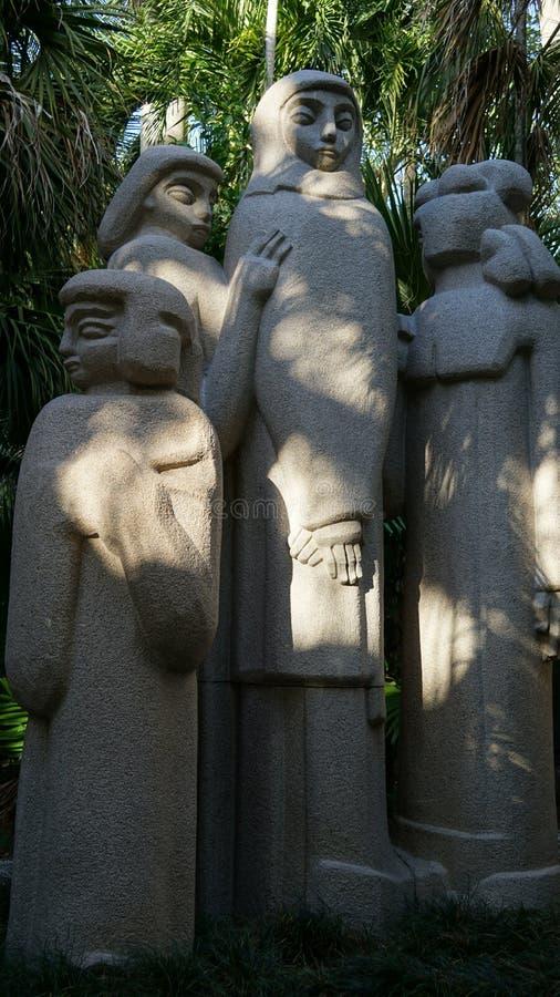 Konstverk Ann Norton Sculpture Gardens, West Palm Beach, Florida, USA royaltyfri foto