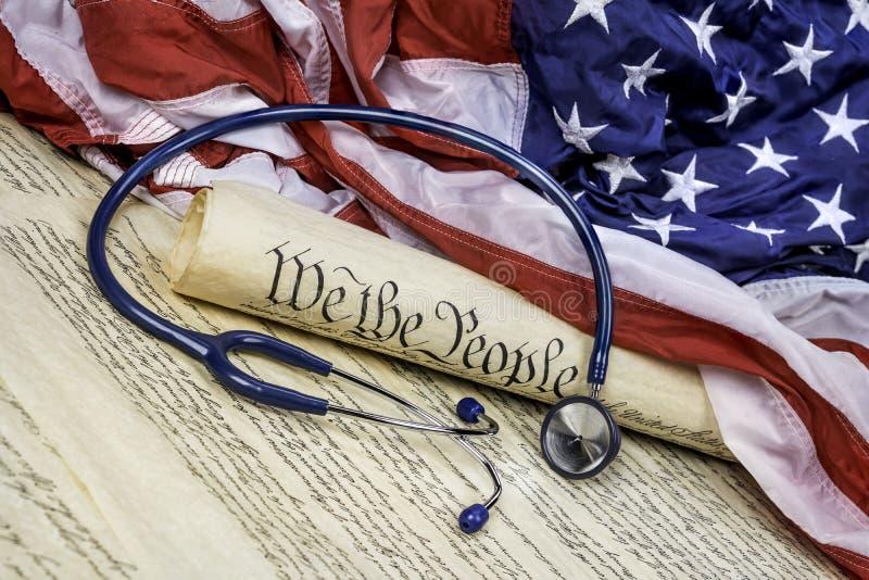 Konstytucja, młoteczek i stetoskop, fotografia royalty free