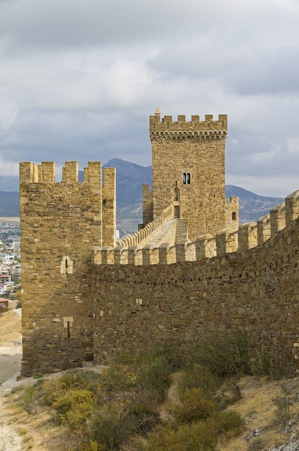 Konsulats- Schloss in der Genoese Festung in Sudak, Krim stockbild