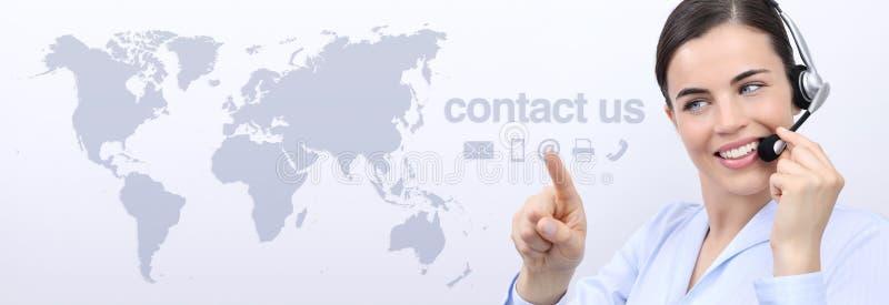 Kontaktuje się my, obsługa klienta operatora kobieta z słuchawki ono uśmiecha się zdjęcie royalty free