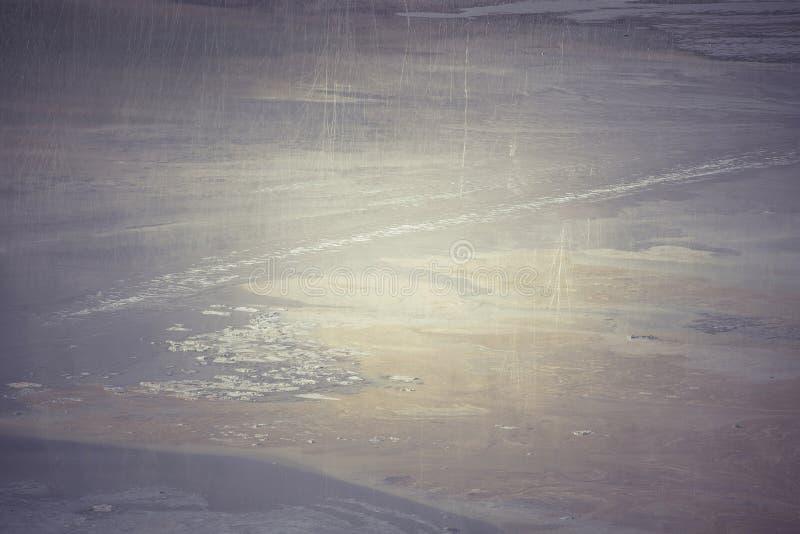 Kontaminowanie zanieczyszczający jezioro z górniczymi residuals zdjęcie stock