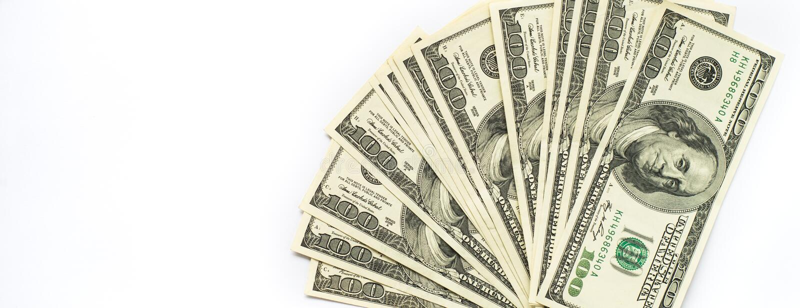 Kontant pengardollar på vit arkivbilder