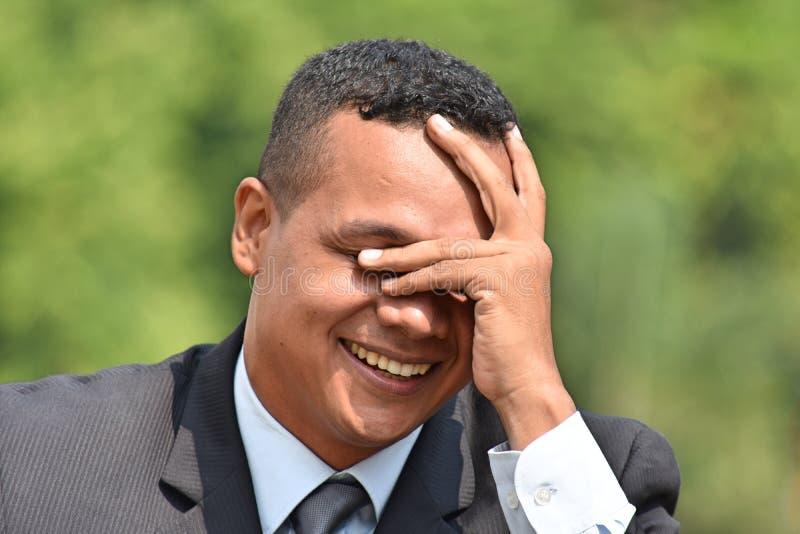 Kontemplacyjny Młody Kolumbijski biznesmen Jest ubranym kostium I krawat obraz stock