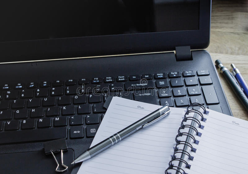 kontor för redovisningsaffärsidéskrivbord arkivbilder