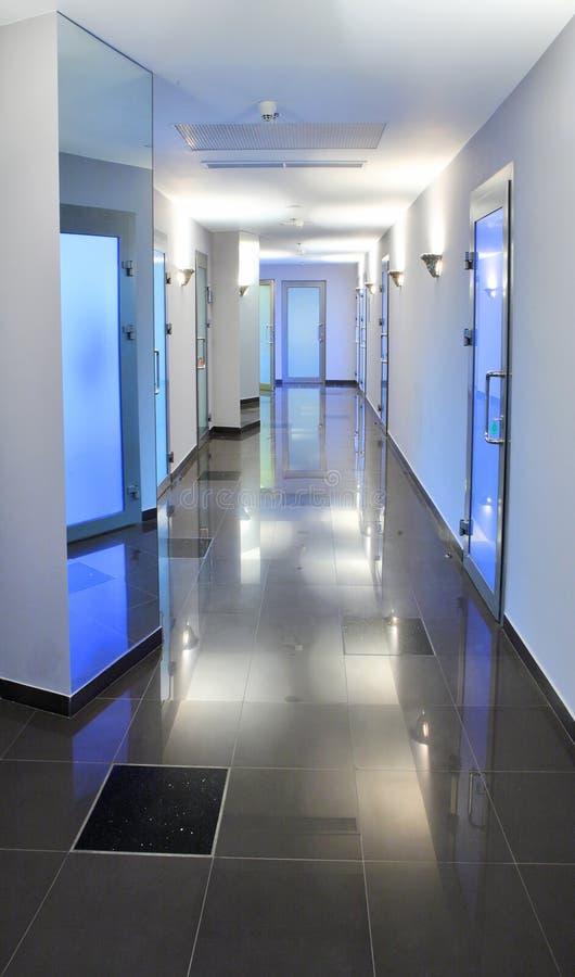 kontor för sjukhus för byggnadskorridor tomt arkivbild