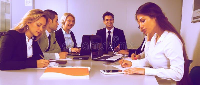 kontorister i konferensrum royaltyfria bilder