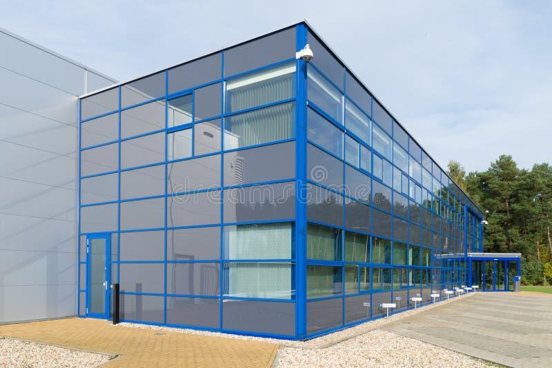 Download Kontorsbyggnad fotografering för bildbyråer. Bild av ytter - 37345845