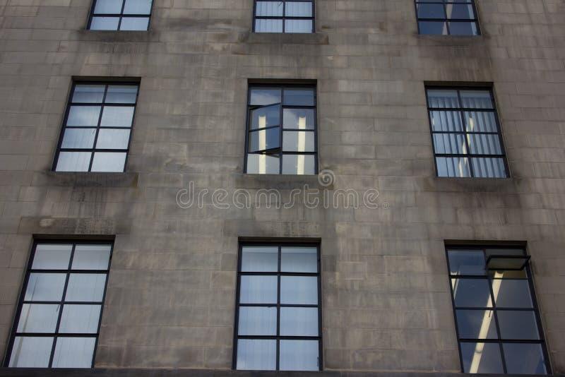 Kontorsbyggnad Manchester UK arkivfoto