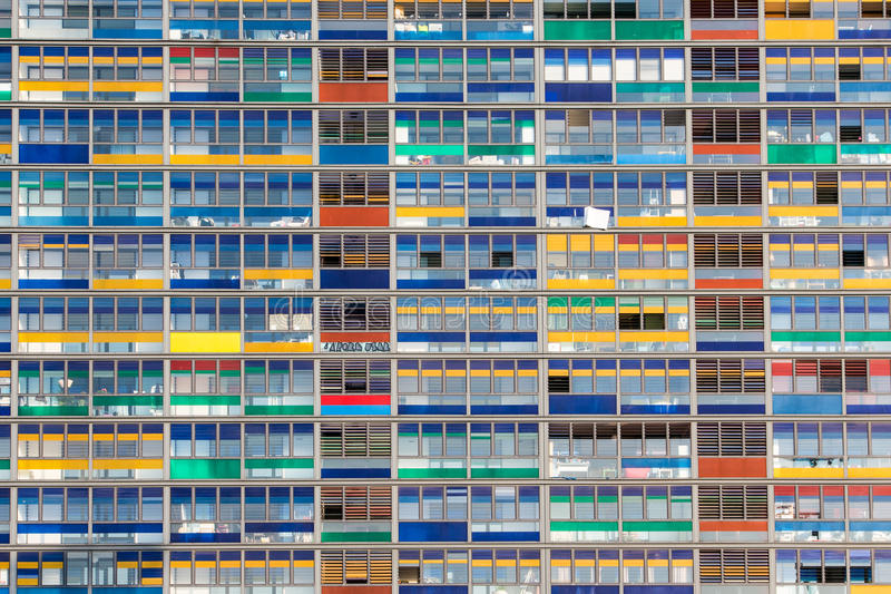 Kontorsbyggnad Windows arkivbild