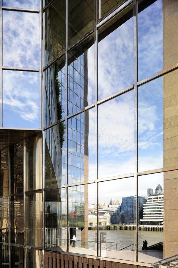 kontorssiktsfönster arkivbild