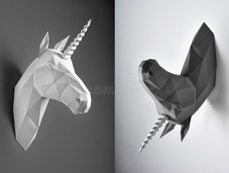 Kontrastieren Sie Collage von zwei Fotos von Schwarzweiss-Einhörnern stockfoto