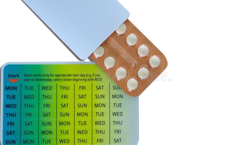Kontrola urodzin pigułek oralne antykoncepcyjne pigułki w pomarańczowej bąbel paczce Hormon medycyna w papier paczce Hormony dla  zdjęcia stock