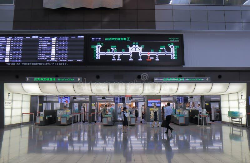Kontroll för säkerhet Haneda för internationell flygplats Tokyo Japan arkivfoto