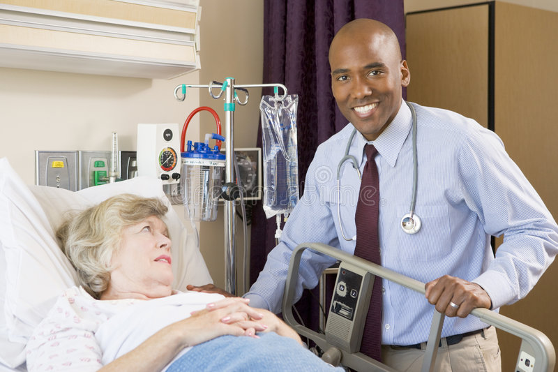 kontrollera upp doktorssjukhustålmodign royaltyfri foto