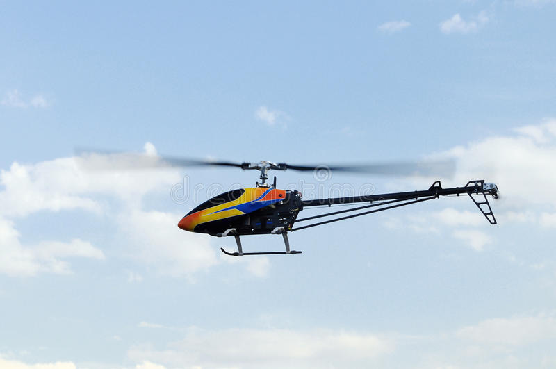 kontrollerad helikopterremote royaltyfria foton