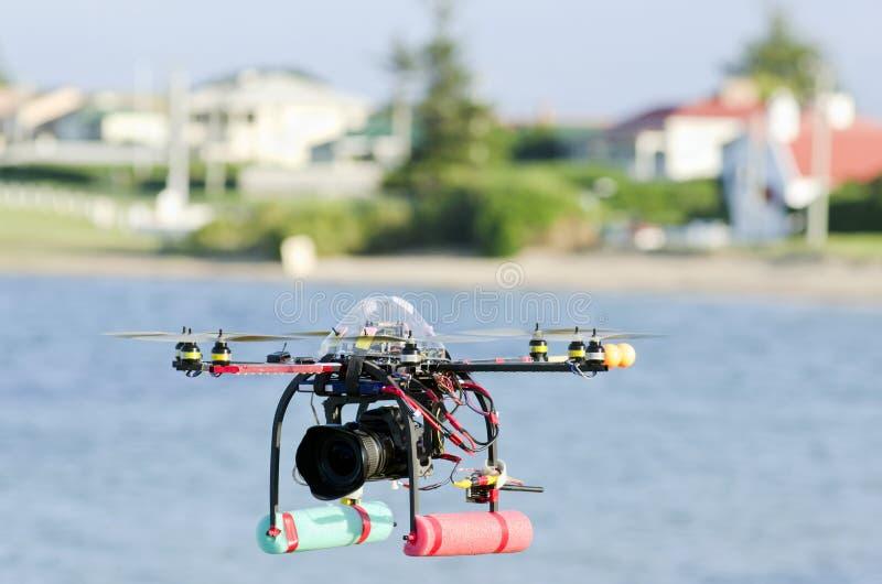 kontrollerad helikopterremotebevakning royaltyfri bild