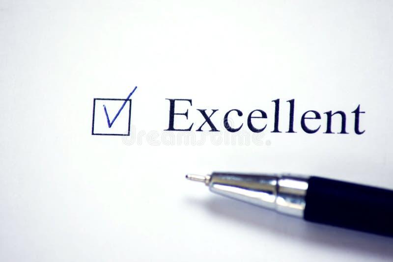 Kontrollista med ett ord som är utmärkt på vitbok Checkboxbegrepp fotografering för bildbyråer