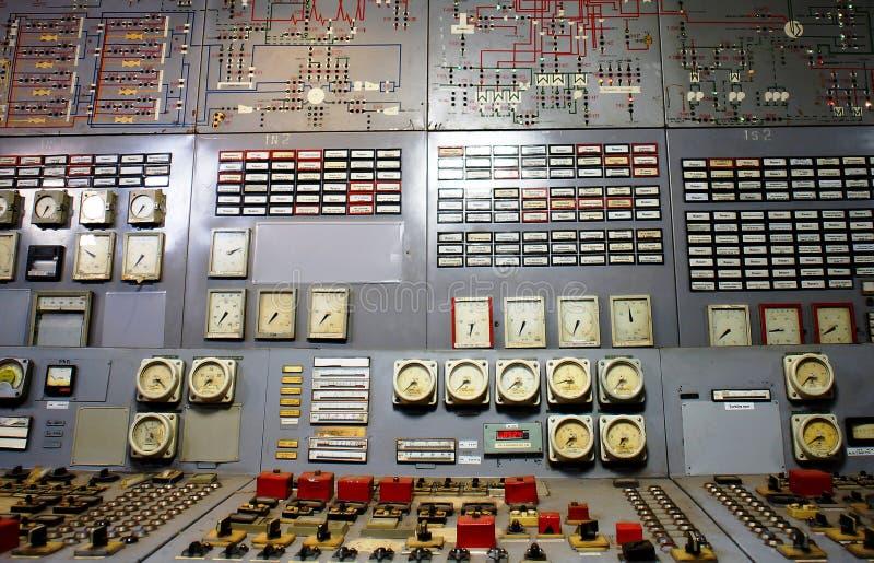 Kontrollrum av en kraftgenereringväxt royaltyfri foto