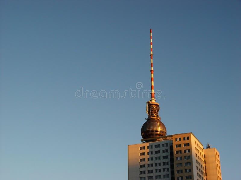 Download Kontrolltürme In Der Morgenleuchte Stockbild - Bild von kugel, morgen: 33511