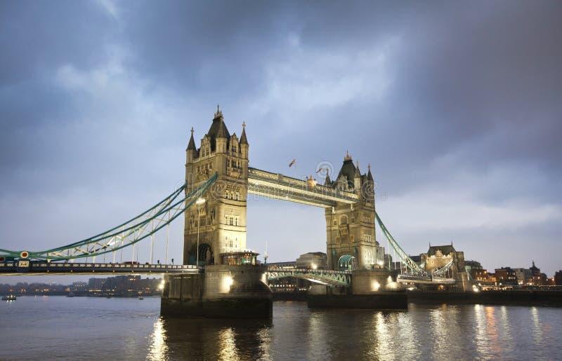 Kontrollturm-Brücke in London lizenzfreies stockfoto