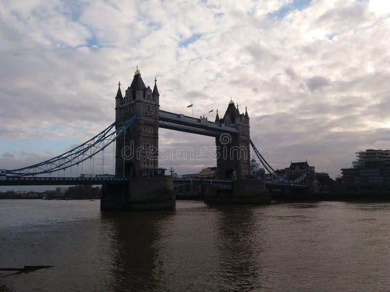 Kontrollturm-Brücke London stockfotografie