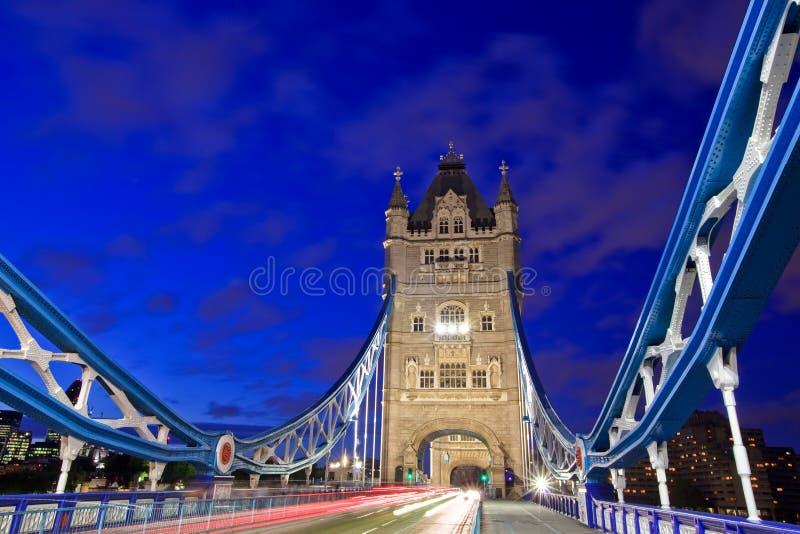 Kontrollturm-Brücken-Verkehr stockbild