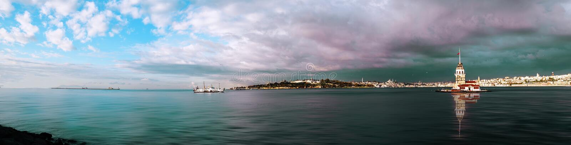 Kontrollturm der Maids in Istanbul stockfotos