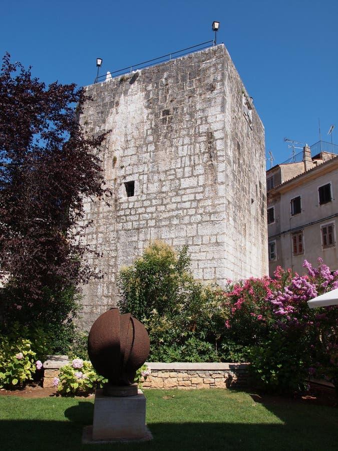 Kontrollturm in Porec, Kroatien lizenzfreies stockbild