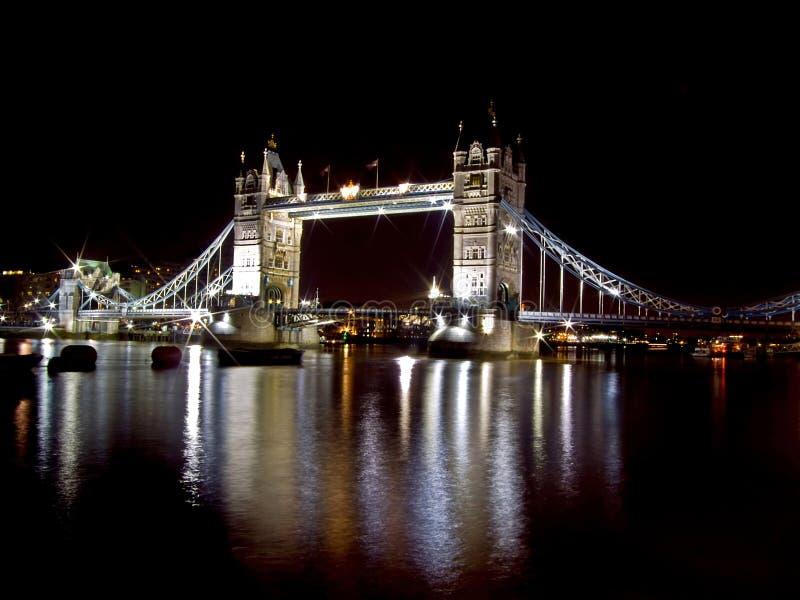 Kontrollturmbrücke stockfotografie