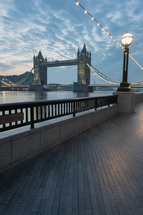 Kontrollturmbr?cke - London stockbild