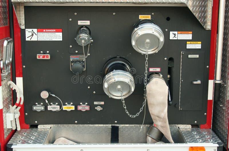 kontroluje wóz strażacki obraz royalty free