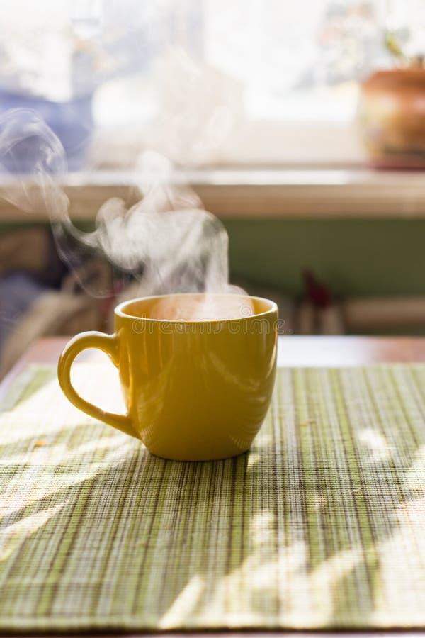 Kontrpara ranek herbata obrazy stock
