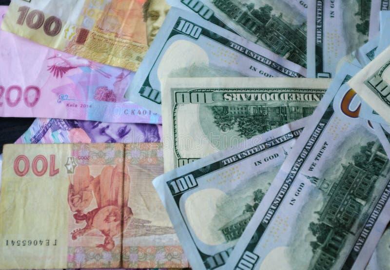 Kontuar notatki, Ukraiński hryvnia wraz z dolarami, obrazy royalty free